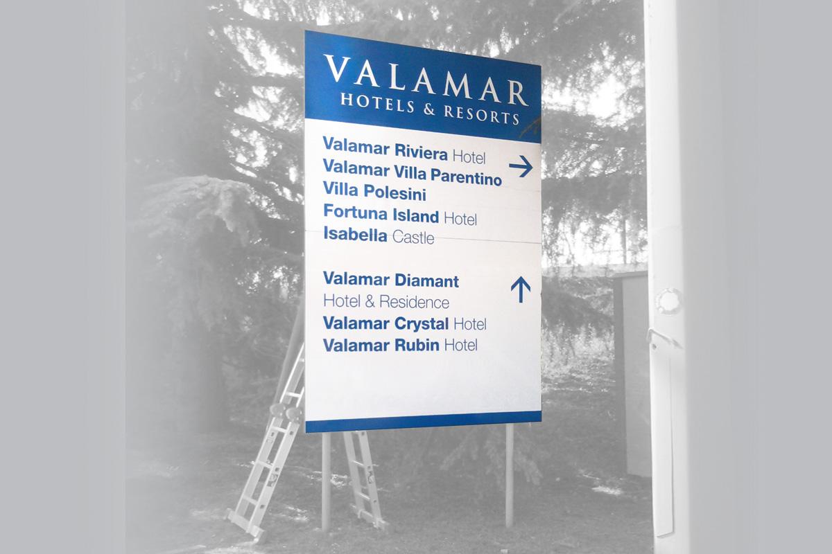 Propaganda Poreč hotelska cestovna signalizacija